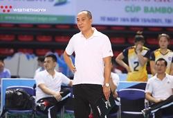 HLV Nguyễn Tuấn Kiệt hưởng trọn niềm vui ngày đối đầu Kim Huệ và các học trò cũ