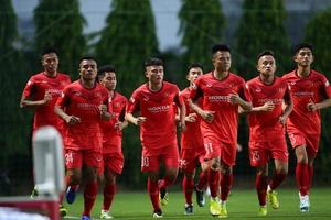 U22 Việt Nam tập nặng ngay buổi đầu, HLV Park Hang Seo tiết lộ lý do gọi sao chưa đủ 18 tuổi