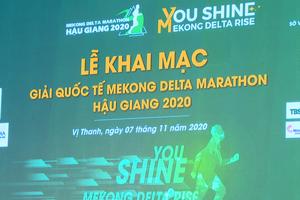 Rực rỡ Mekong Delta Marathon Hậu Giang 2020 với đêm khai mạc