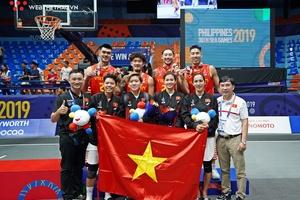 Trưởng đoàn TTVN Trần Đức Phấn hết lời khen ngợi bước tiến của bóng rổ tại SEA Games 30
